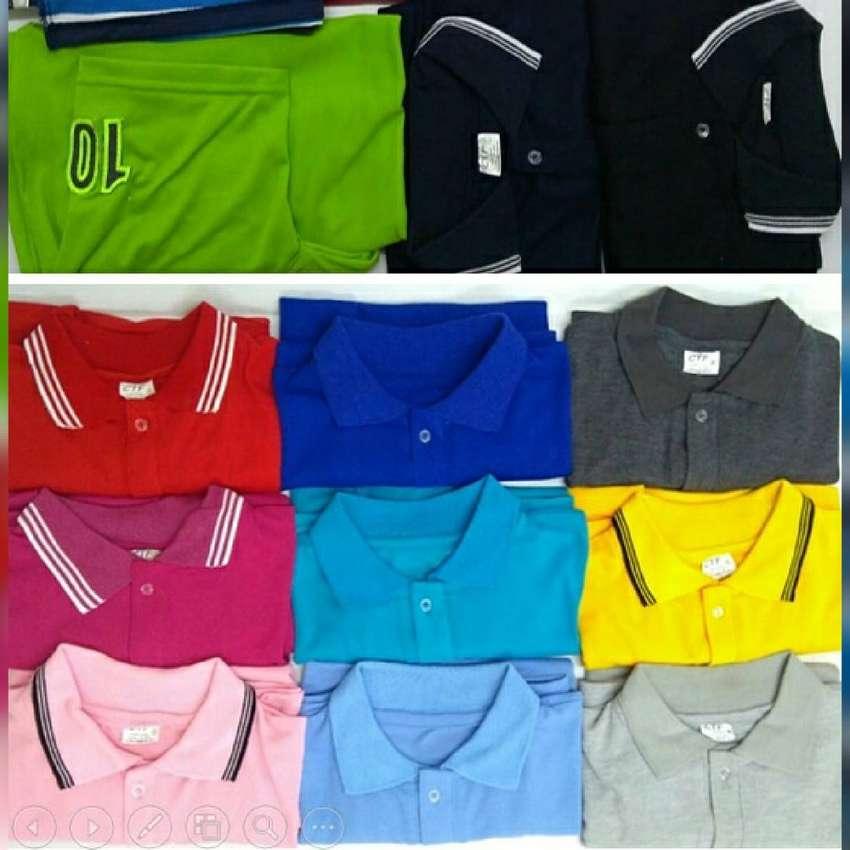Camiseta tipo Polo Unicolor