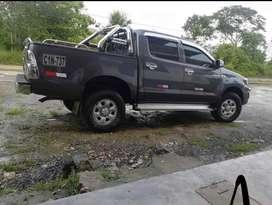 Vendo Toyota Hilux 4x2 modelo 2012, papeles al dia, de uso particular, lista para traspaso. $17 500