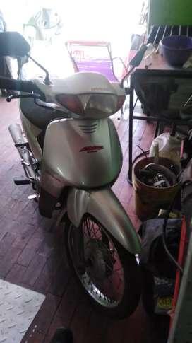 moto biz 100,modelo 2004