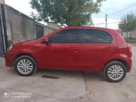 Vendo Toyota Etios hachback