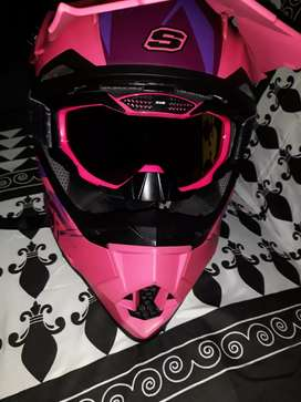 Vendo casco nuevo certificado para dama talla m