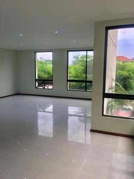 Alquiler de departamento en Samborondon Urb. Plaza Real
