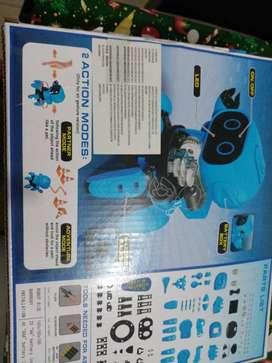 Se vende Robot con infrarojo que camina camina.