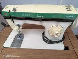 Maquina de coser Familiar Singer