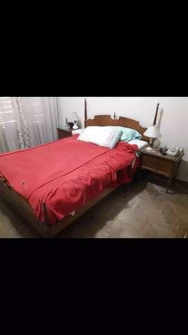 Juego de dormitorio de madera