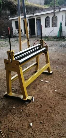 Dobladora , baroladora de tool de 1.25 Mtr , capacidad 4 m.m