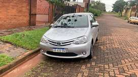 Vendo etios 5pts caja 6ta impecable