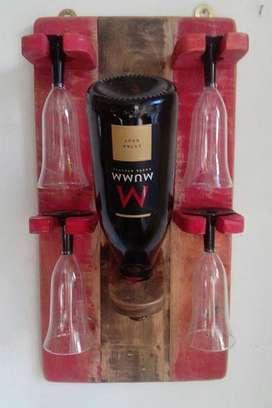 Porta botella madera recuperada para cuatro copas patinado