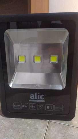 Reflector LED Alic exterior soporta lluvia IP65