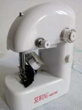 Máquina de coser portátil funcional