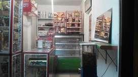 se vende o cambia nevera mostrador estantes y vitrinas barra