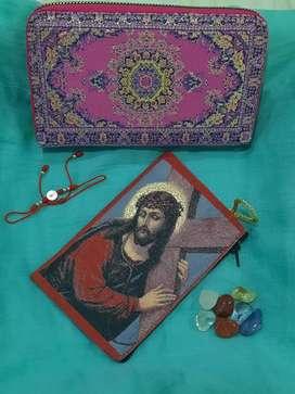 Super oferta billetera turca+monedero religioso + pulsera de hilo rojo con medalla de San Benito.
