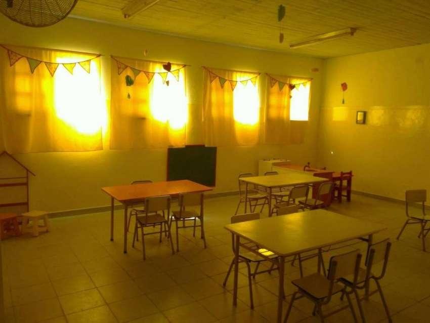 Mesa rectangular para Jardín de Infantes. 0