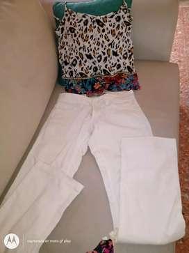 Musculosas y jeans ! Precio jeans$300 talle 24 y musculosas a partir de 250