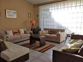 Valle de los Chillos Casa y Suite Independiente  en Venta