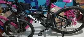 Económica bicicleta giant talla M rin 27.5
