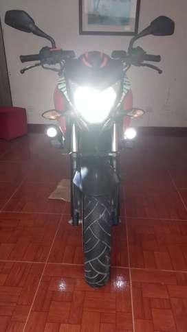 Vendo moto en perfecto estado llantas nuevas y seguro y tecno recientes impuestos al día me pueden llamar al