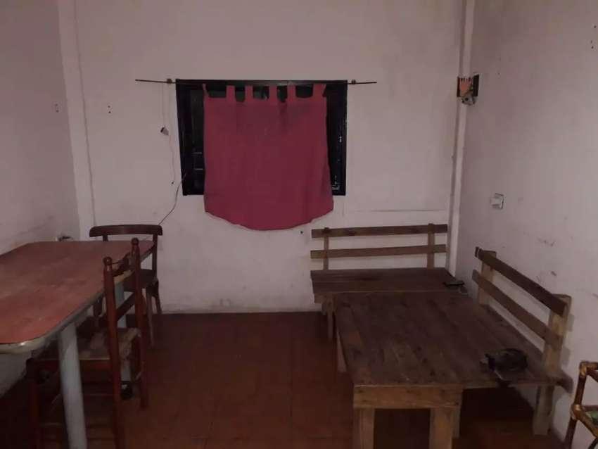 Vendo casa espaciosa el terreno es en esquina vendo en la provincia de buenos aires merlo