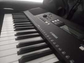 Piano psr 363
