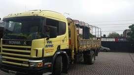 Camion con hidrogrua Scania P-94