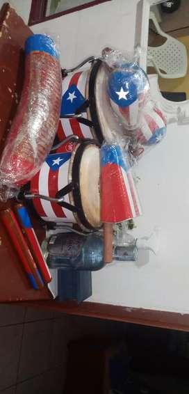 Se venden guiro campana clave cubana yatacas todo con bandera de puerto Rico