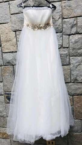 Vestido de novia elegante talla 6 color Ivory