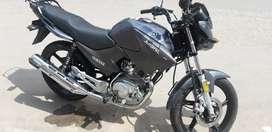 Vendo permuto moto Yamaha ybr 125 esd 2019  con 12 mil km