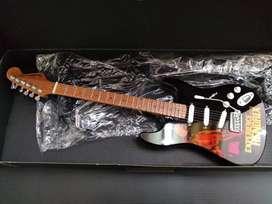 Miniatura Guitarra Jimi Hendrix Axe Heaven Adorno Hard Rock