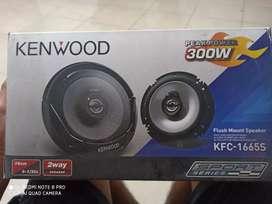 Parlante Kenwood 300 W