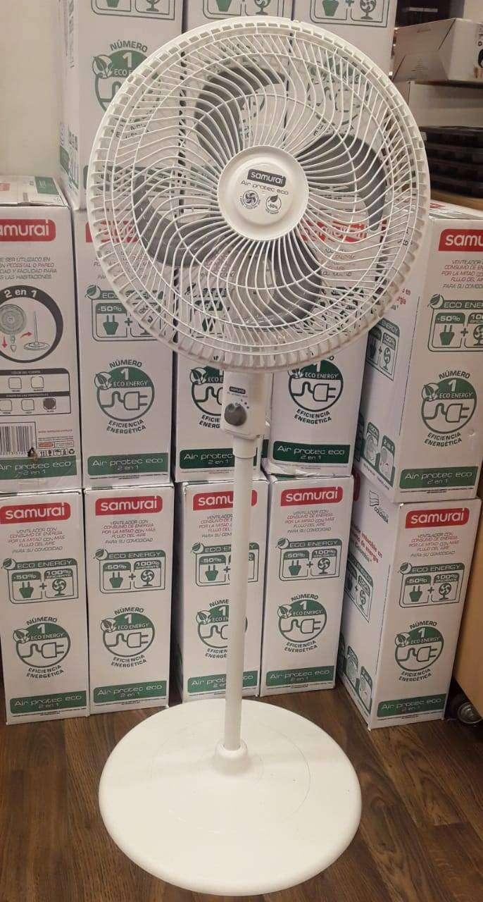 Ventilador nuevo en su caja. 0