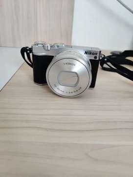 Camara Nikon 1 J5