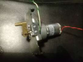 Motorreductor, 12 voltios DC, 30 RPM