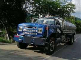 Suministro y transporte de agua potable en carrotanque