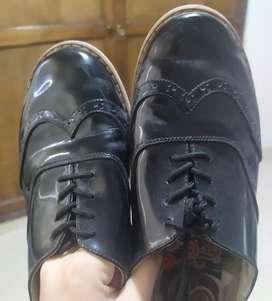 Zapatos bolicheros usados