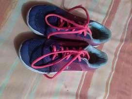Zapatos deportivos talla 33
