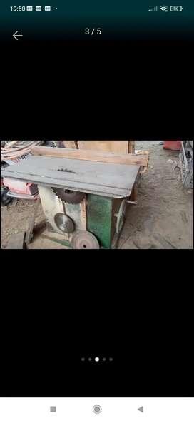 Vendo máquinas de aserradero y carpintería