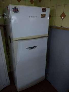 Heladera Electrolux c/ Freezer funcionando bien