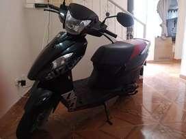 Se vende moto Suzuki Lets 2015