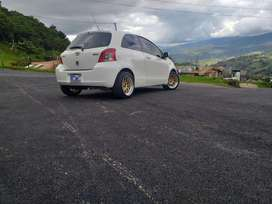 Toyota Yaris Hast Back