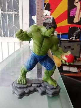 Figura de Hulk pintada a mano