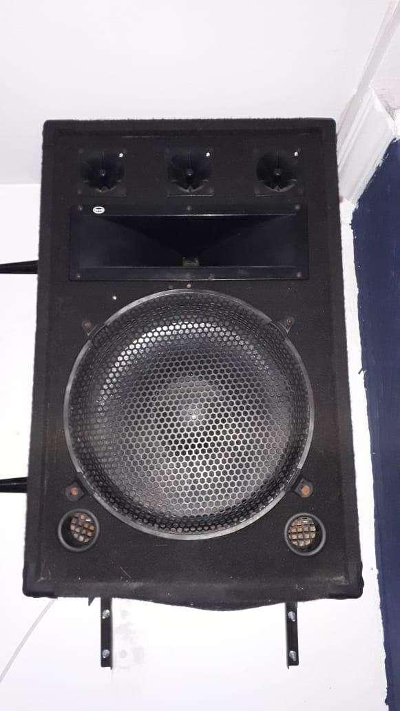 Cabina de sonido 0