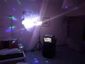 Vendo Máquina de Karaoke con luces y humo.