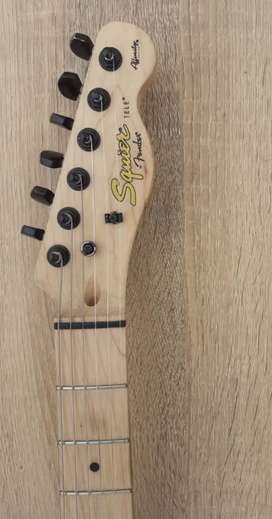 Guitarra Fender Squier S/650
