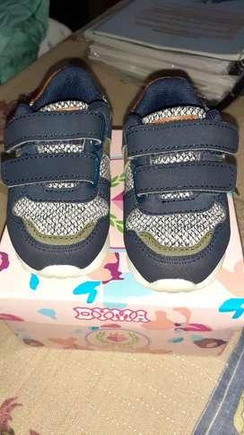 Zapatillas de bebé importadas