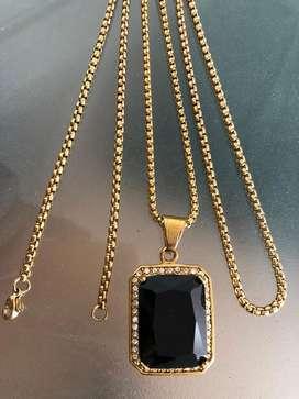 Collar con perla disponible en perla azul roja y negra $50 precio fijo
