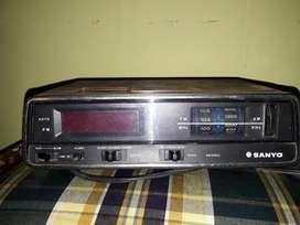 Radio Reloj Despertador Sanyo