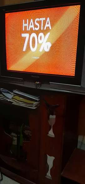 """TV Panasonic 32"""" + mueble"""