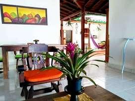 Se Arrienda Hermosa Casa AMOBLADA para Vivienda o Negocio