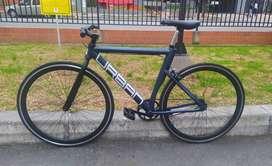 Vendo bicicleta Urban, piñón libre - Talla 53 en perfecto estado solo un mes de uso