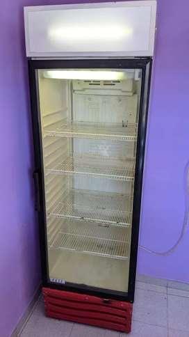 vendo heladera exhibidora inelro yeti 420 litros de las grandes con cartel c/luz.